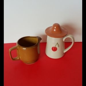 Creativeco-OP lot  of two creamers